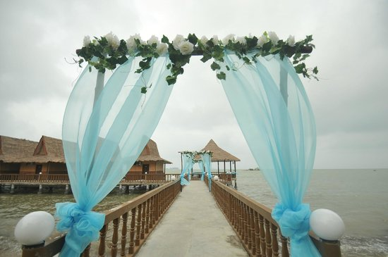 Bintan Spa Villa Beach Resort: Bintan Spa Villa - Preparing for a wedding party