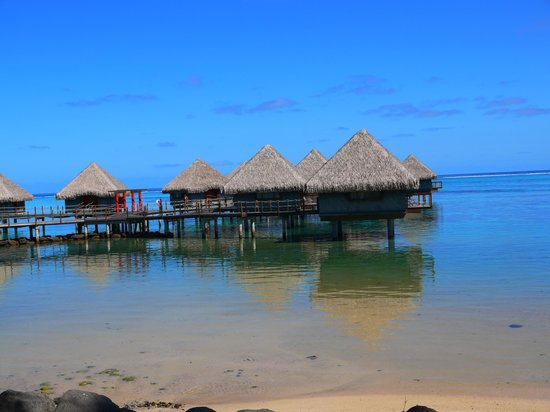 Le Meridien Tahiti: the OWB here do not compare to what you'll see on the other islands