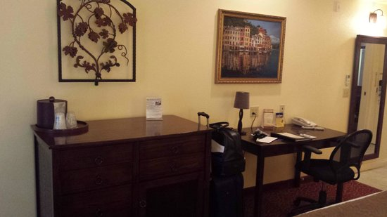 BEST WESTERN Dry Creek Inn: Desk