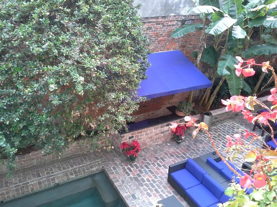 Hotel Le Marais: View from our balcony, beautiful courtyard.
