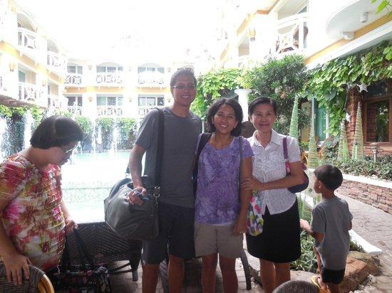 Boracay Mandarin Island Hotel: Visiting with General Manager
