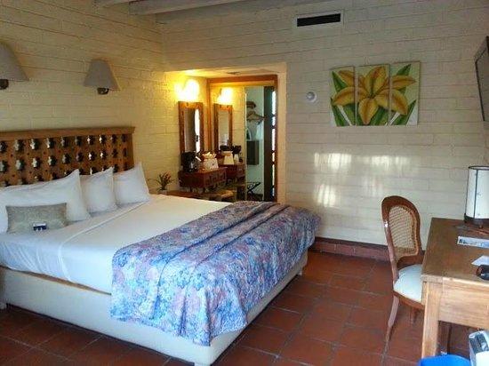 Americas Best Value Inn - Posada El Rey Sol: Very comfortable king size bed