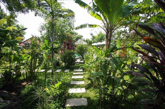 Minabali Bunga'lo: Garden Area