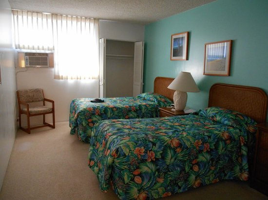 Royal Kuhio Resort : 寝室 シングルベット×2
