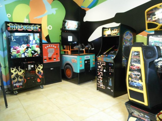 Fairfield Inn & Suites Orlando at SeaWorld® : Sala de Juegos