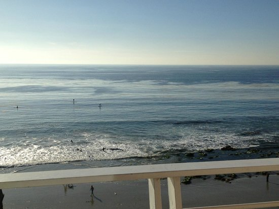 Laguna Riviera Beach Resort: view of surf