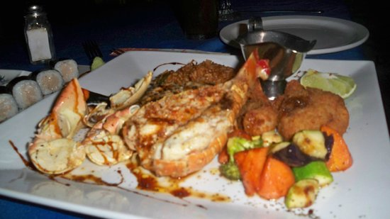Pier One Restaurant: chef's seafood platter