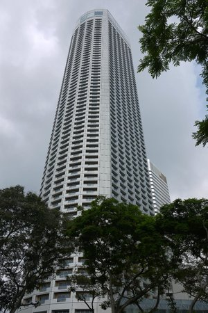 Swissotel The Stamford Singapore: Exterior view