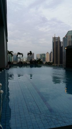 HARRIS Suites FX Sudirman: pool