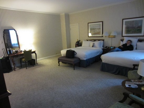 The Omni King Edward Hotel: Room