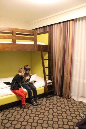 Hyatt Regency Orange County: Kids second bedroom - sleeps 3