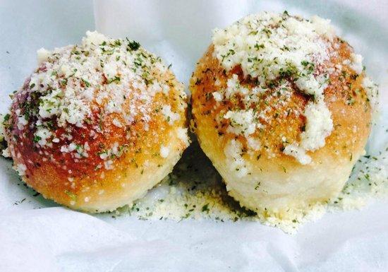 Pizza Nostra: Garlic Rolls