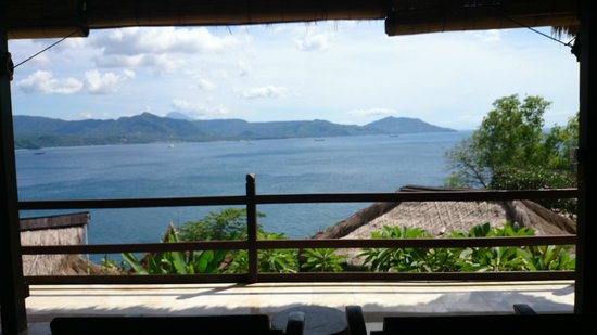 Bloo Lagoon Village : Unobstructed view of north east Bali from room/bed