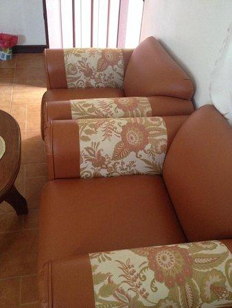 Bonita Oasis Beach Resort: Room armchairs