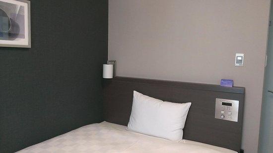 Daiwa Roynet hotel Tokyo Akabane : ベッド周りです