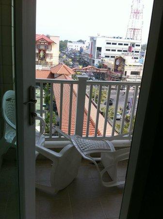 MANATHAI Hua Hin: Small Balcony