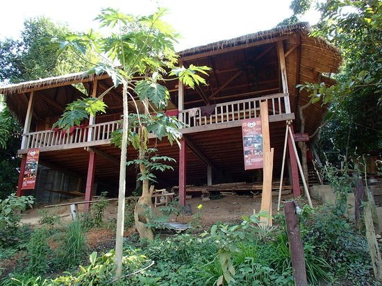 Huay Xai, Laos: restaurant and place to exchange and share