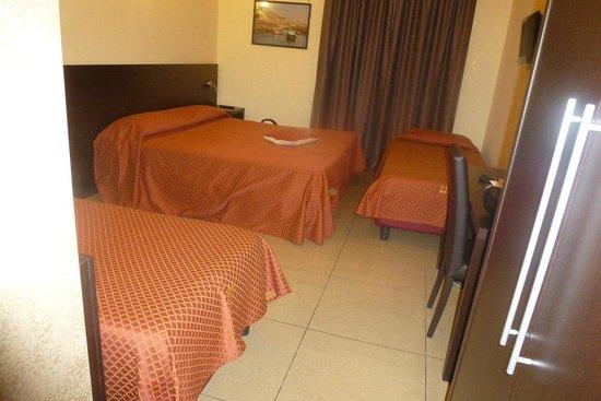 Hotel Tiempo: chambrepour 4