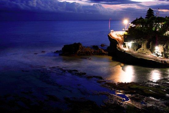 Pan Pacific Nirwana Bali Resort: Tanah Lot temple before day break.