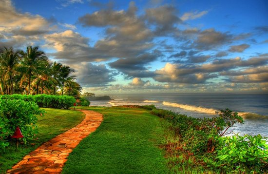 Pan Pacific Nirwana Bali Resort: On my way to the golf course.  I turned one more time to capture the sea view.