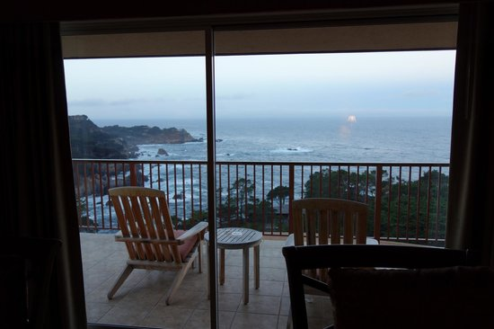 Tickle Pink Inn : Balcony with Pacific Ocean view