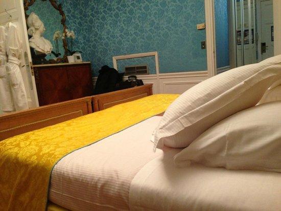 Hotel Negresco: beds