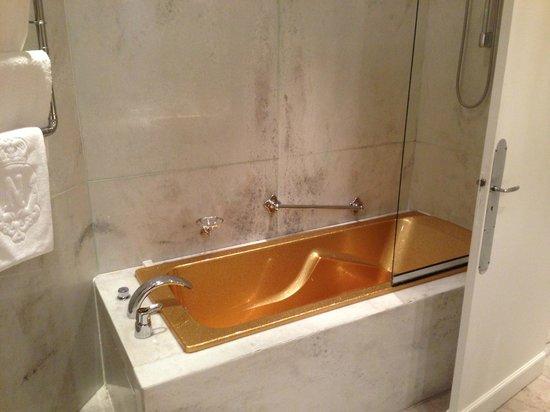 Hotel Negresco: gold bath