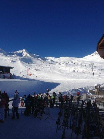 Hintertuxer Gletscher: Ski Slopes view 2