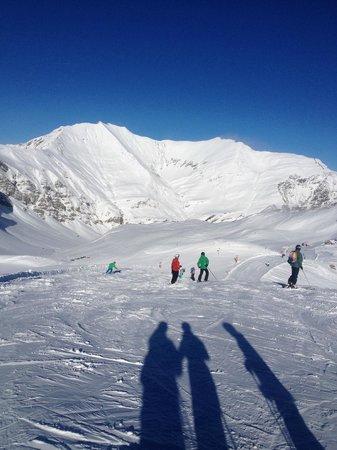 Hintertuxer Gletscher: Ski slopes view
