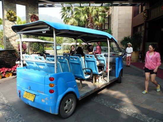 Grand Metropark Resort Hotel : shuttle bus