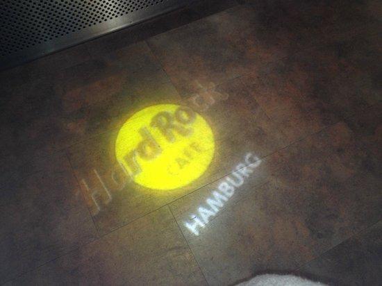 Hard Rock Cafe: Logo