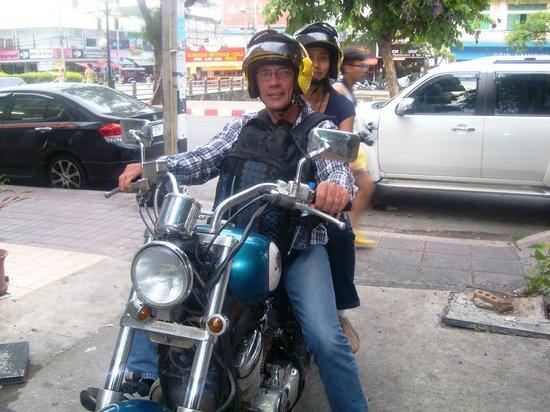 De Lanna Hotel, Chiang Mai : Bye bike of a 100 corners and hello De Lanna.