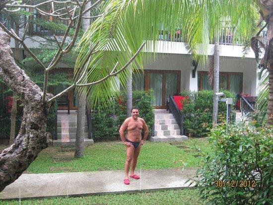 Marina Villa: vista camera sotto diluvio tropicale