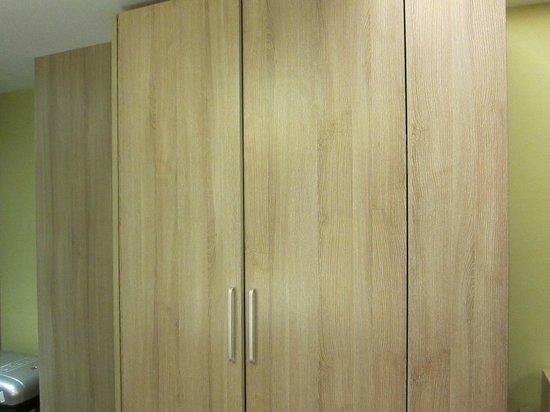 Atour Hotel Xi'an Nanmen: Cabinet