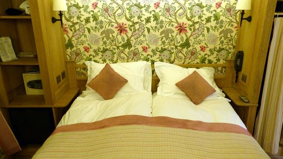 Hotel La Perle  - two single beds