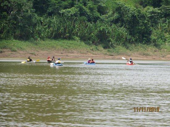 Refugio Amazonas: Kayacking...