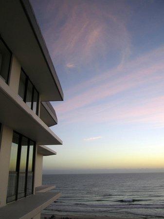 Seacrest Apartments : The sunrise