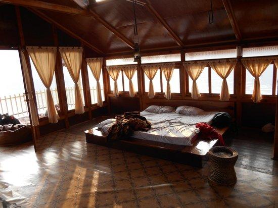 Umiam Lake: Inside of lake house