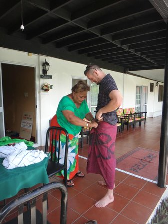 Aniva's Place : Lavalava lessons from Aniva