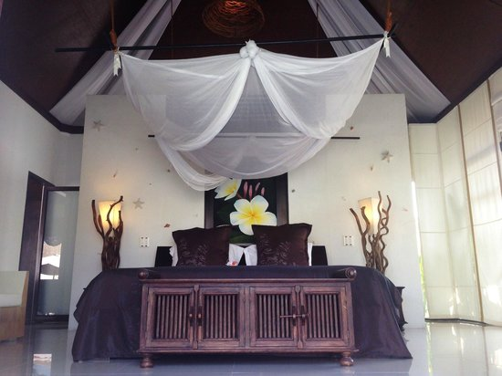 Dhevan Dara Resort & Spa Hotel : one of the two rooms