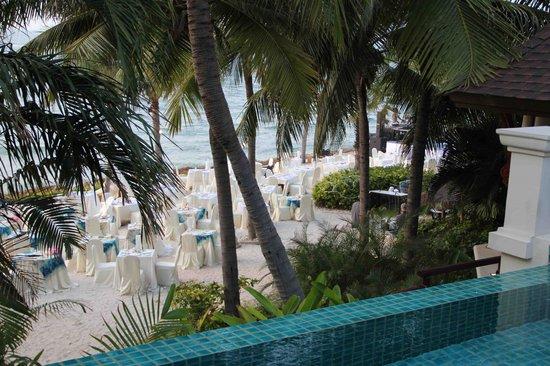 อินเตอร์คอนติเนนตัล พัทยา รีสอร์ท: New Years eve dinner at the private beach