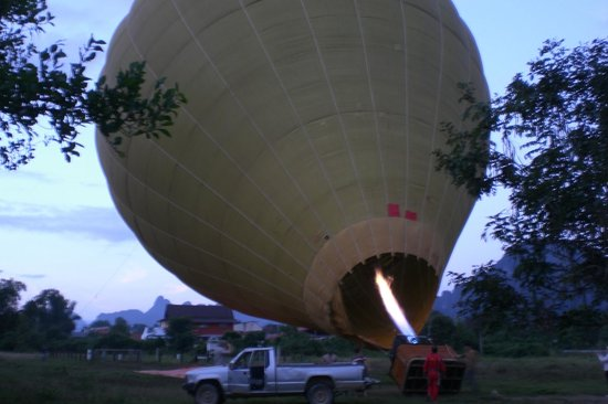 Balloons Over Vang Vieng: Impressive start