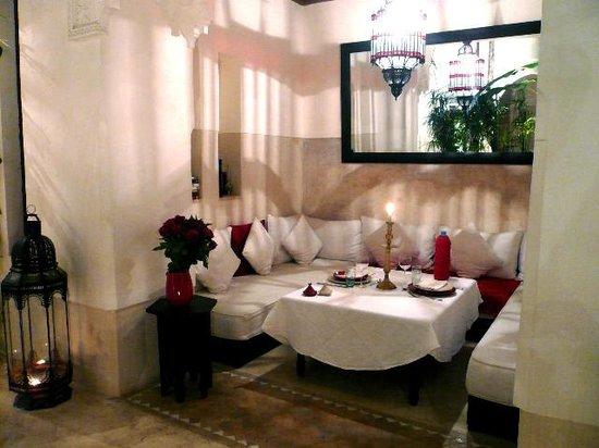 Dar Akal : Feines marrokanisches Essen mit warmen Ambiente