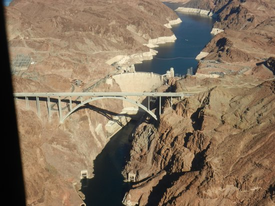 Papillon Grand Canyon Helicopters: Hoover Dam