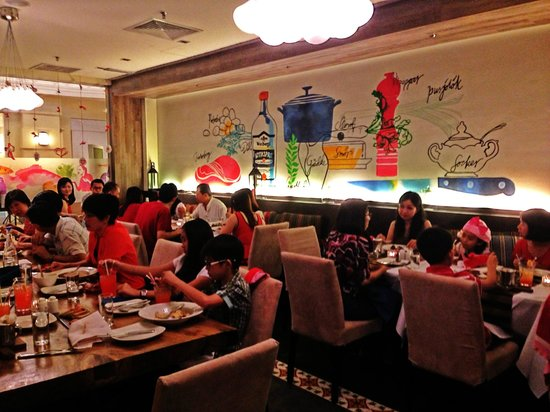 Chulia Court: The dining crowd