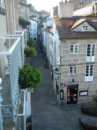 Montes Pensión Boutique: view from the room to Rua Raina and Praza de Fonseca