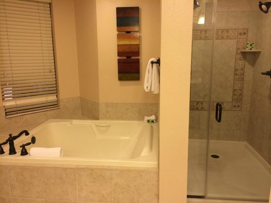 Marriott's Grand Chateau: Bathroom