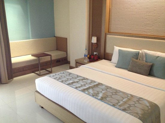 The ASHLEE Plaza Patong Hotel & Spa: Superior Room