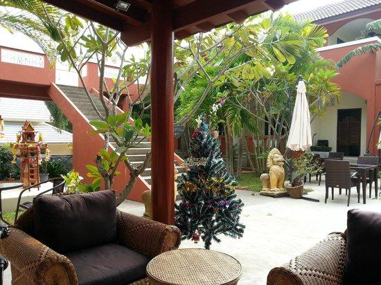 Sallamai Resort : garden view from reception