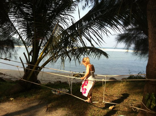 Baan Manali Resort: Monkey bridge for kids